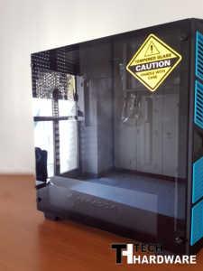 Recensione Sharkoon AI7000 Glass